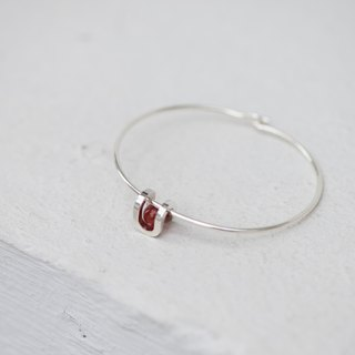 Round Well Bracelet Round Bead Touch - Red Onyx