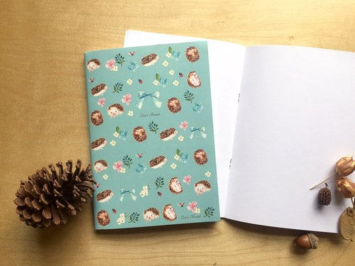 """Zoe's forest"" forest small hedgehog blankbook"