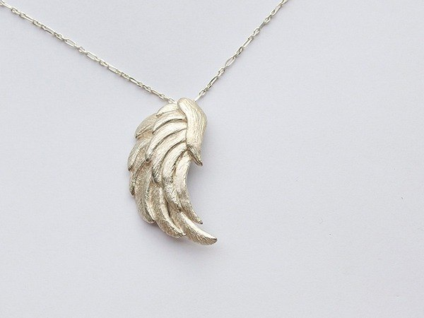 Angel wings silver pendant / feathers / wings / fly /