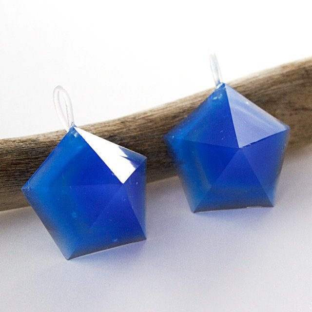 Pentagon hook earrings (cobalt sparrow)