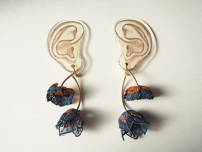 ARRO / Embroidery earing / FLOWERS AT DAWN / NAVY
