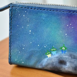 Alien landing on the moon x pencil case