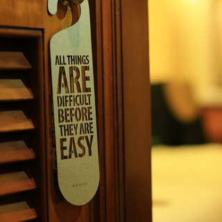 "[EyeDesign see the design] a word door hanging ""ALL THINGS ARE DIFFICULT BEFORE THEY ARE EASY"" D01"