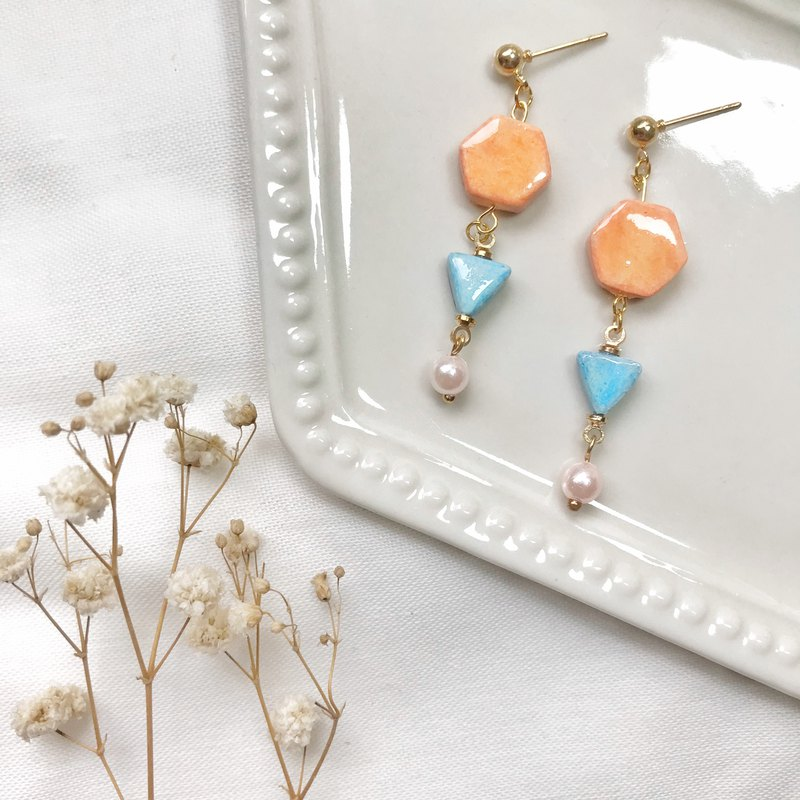 Elegant gesture - hand made / hand-painted earrings
