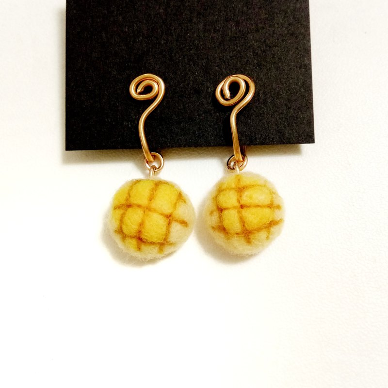 Japanese pineapple bread wool felt painless aluminum wire ear clip earrings