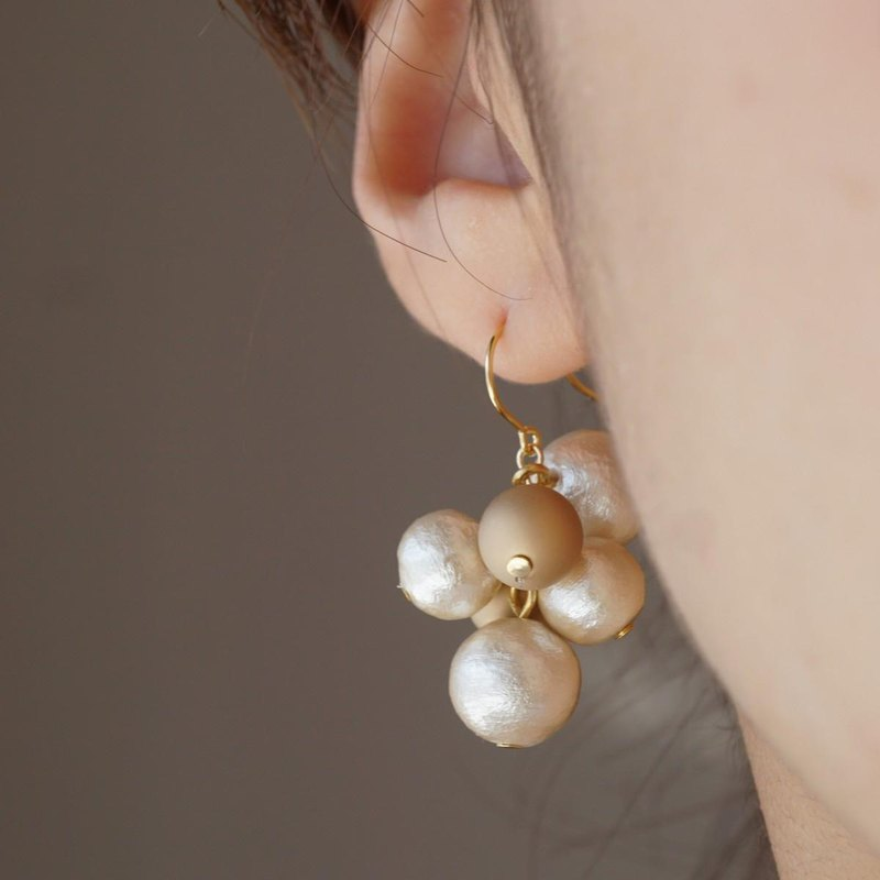 【14KGF】 Bicolor random pearl earrings gold