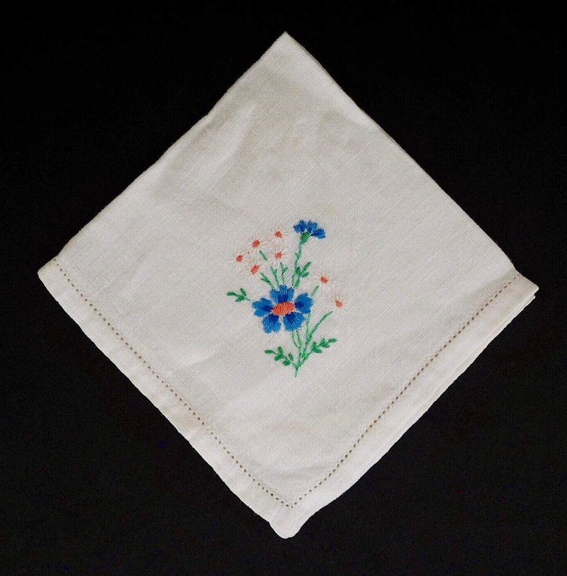 Plain white square embroidery blue and white floral small napkin