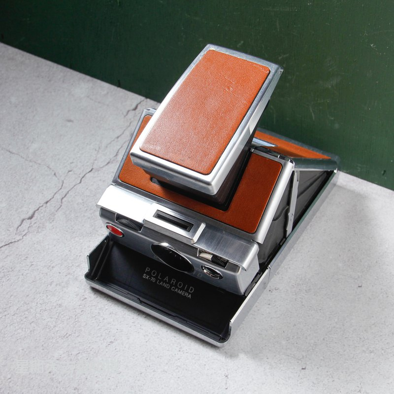 [Welcome to Inventory / Find] Polaroid SX-70 Classic Polaroid Polaroid