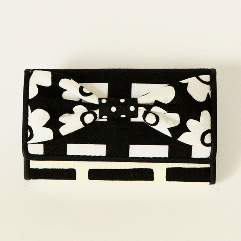 key holder wallet monochrome flower ribbon Assistant Director dots borders