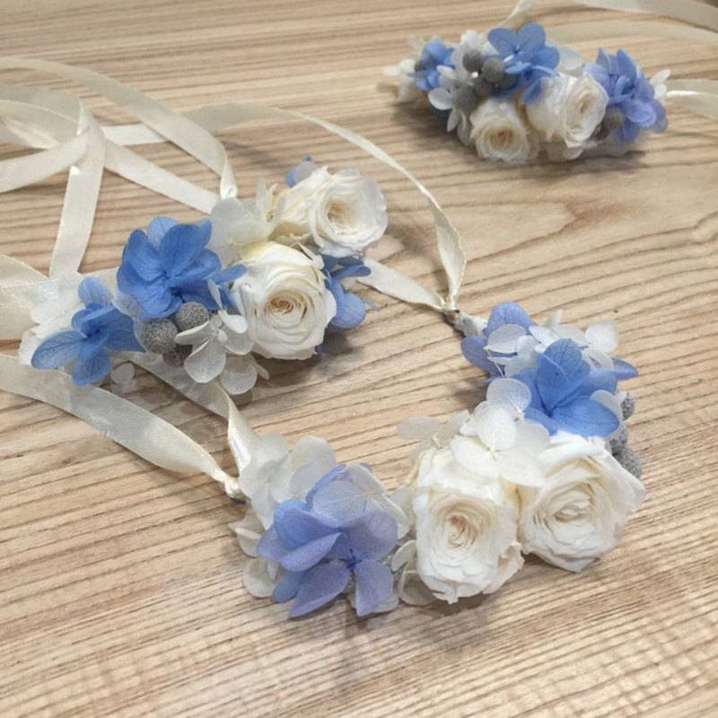 Non-flowered wrist flower | main wedding hand flower | bridesmaid wrist flower | blue and white | custom wrist flower