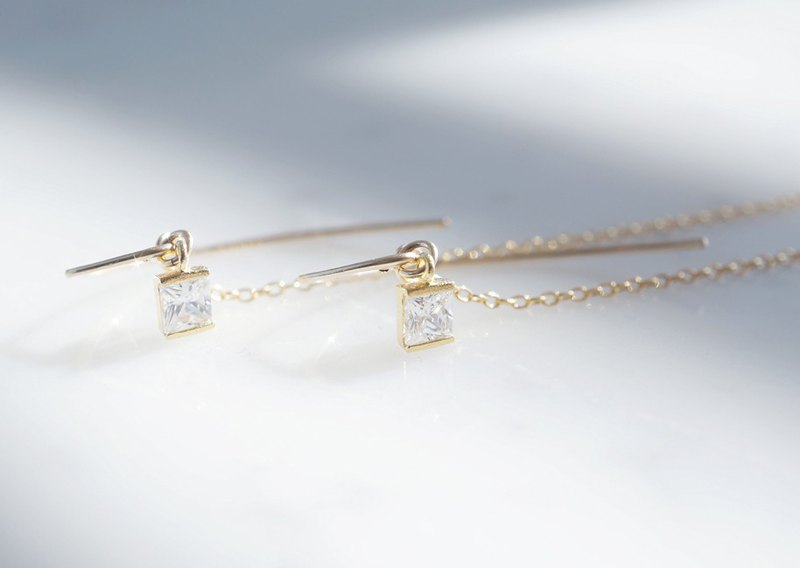 【14 KGF / Siver 925 / Tiny】 Leaf Hook Earrings, -CZ Square / Crystal-