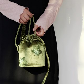 轲Artificial original bucket bag Ms. bag Hand embroidery Embroidered shoulder shoulder bag Art and Forestry Department