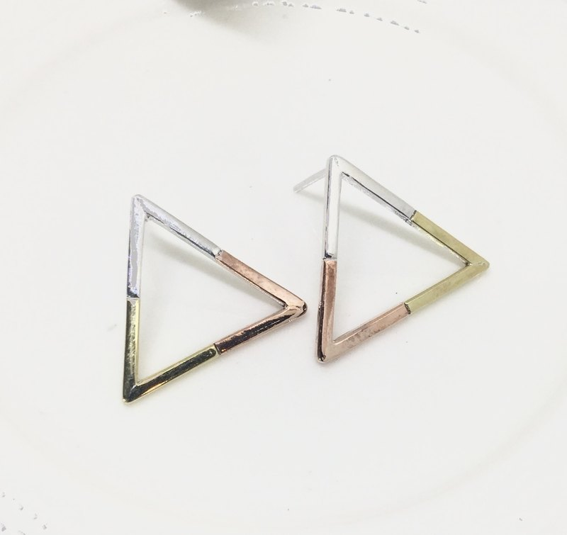 Big staff Taipa [handmade silver] three-color triangle three-color K gold × sterling silver earrings