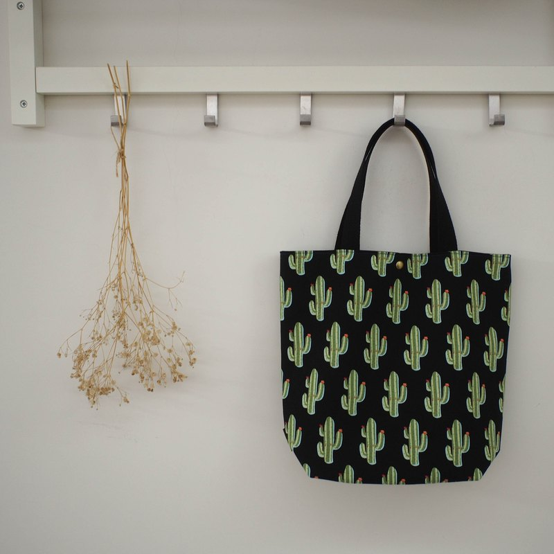 Every family wine M series shoulder bag / handbag / limited handmade bag / cactus / spot available
