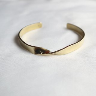 Ni.kou brass twist bracelet (wide version)