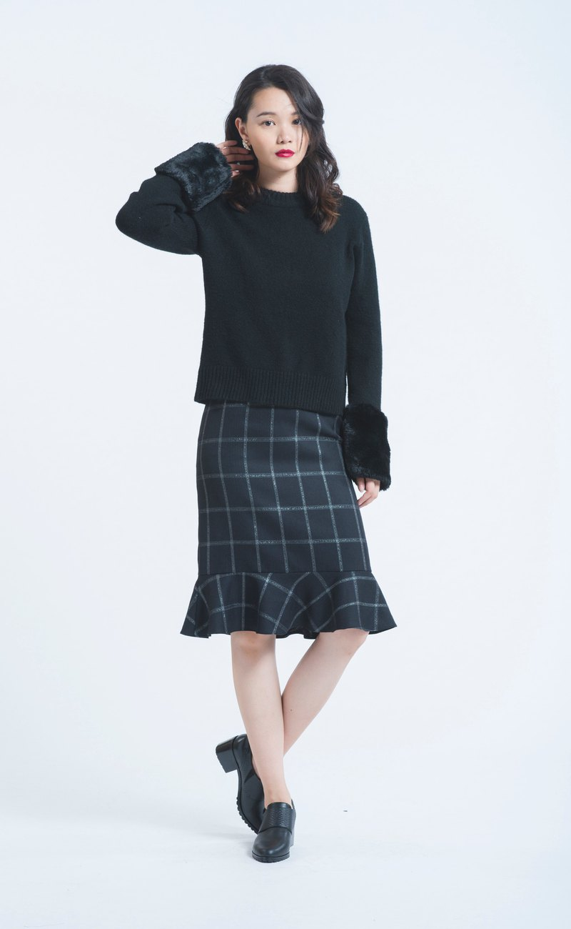Black pearl plaid wool fishtail skirt
