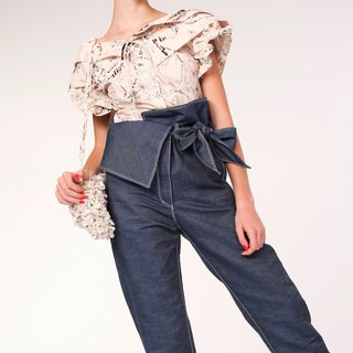 Squarish Folds Waist Denim Trousers / Navy