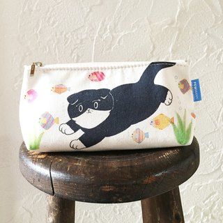 Swiss in the ocean ~ ~ Black and white cat pouch