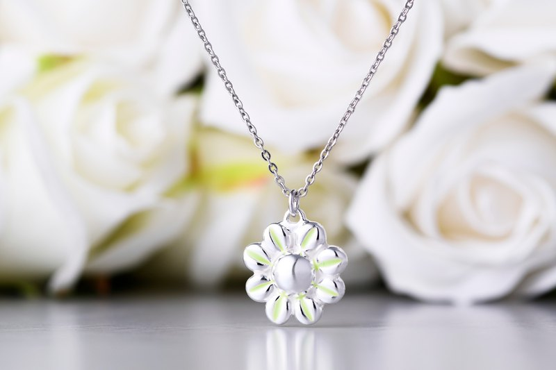 Cute Sunflower Shape Necklace New Green / Pearl White / Honey Powder / Goose Yellow (NLAJA0990N)