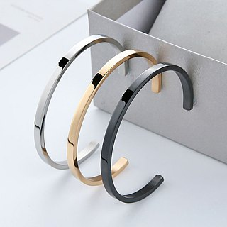 Stainless steel bangle for ladies