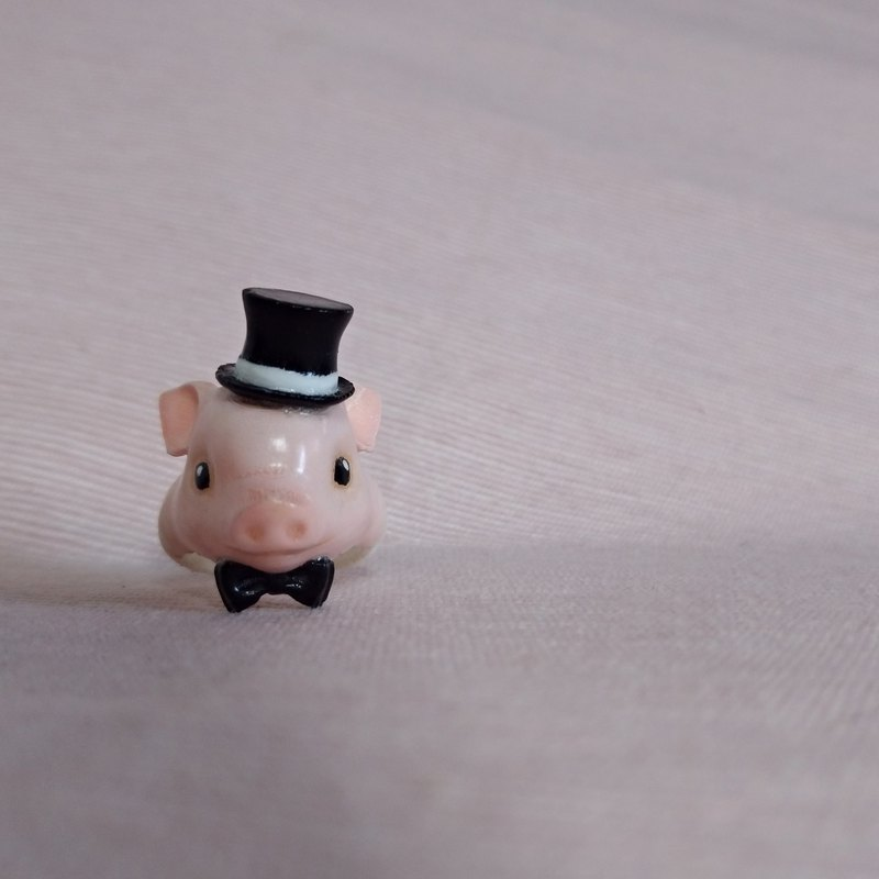 Three-dimensional printing ~ hand-painted gentleman pig ring