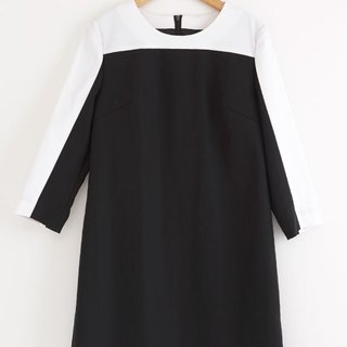 i'm black and white stitching Dress