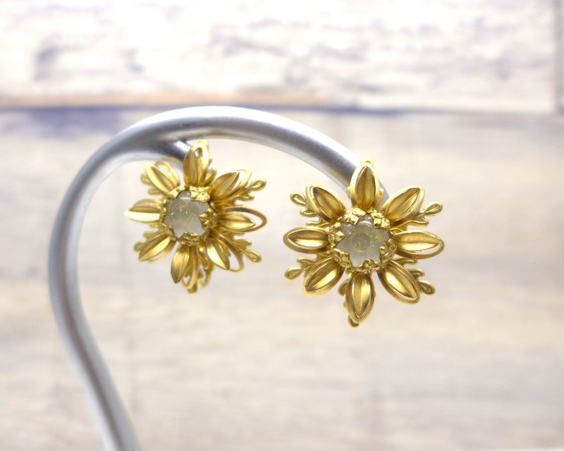 Brass and glass earrings, Ice flower, Snowflake, Milky white, Vintage, Antique