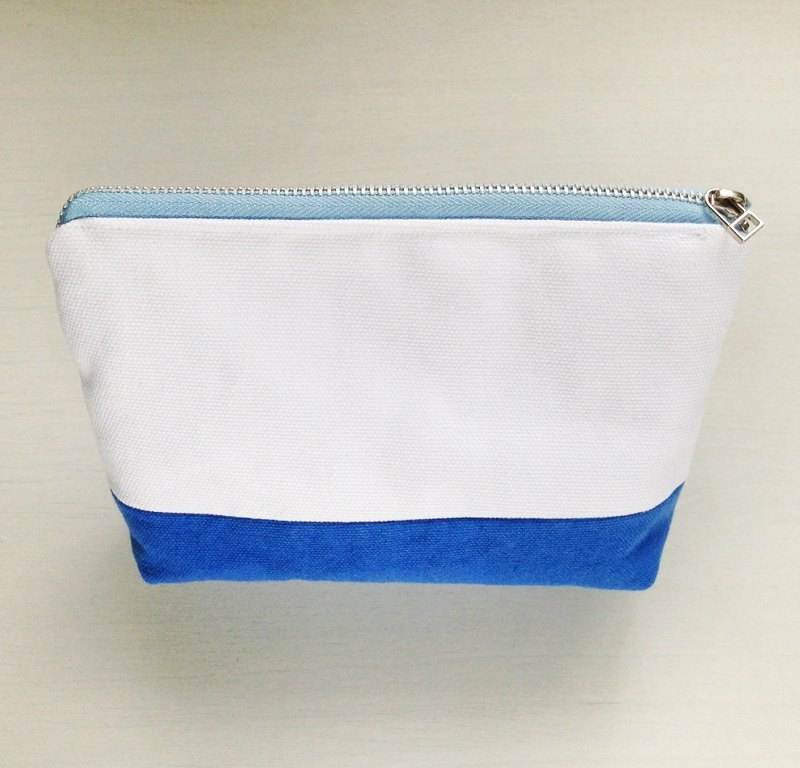 [Blue X white simple] cosmetic bag / YKK zipper Taiwan canvas storage bag fresh and simple