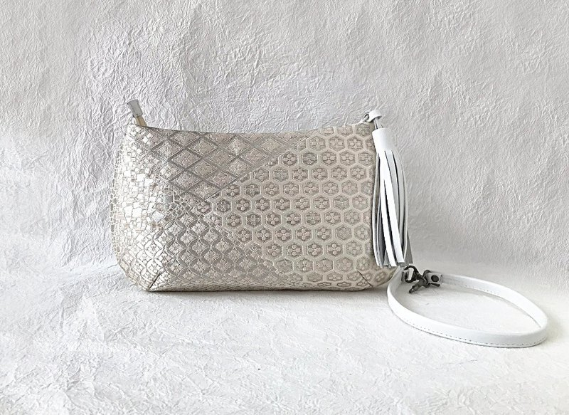 Clutch bag Classic pattern