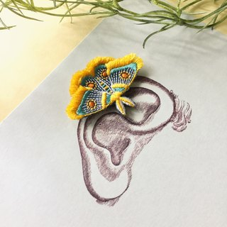 ARRO / Embroidery earing / Moth / yellow