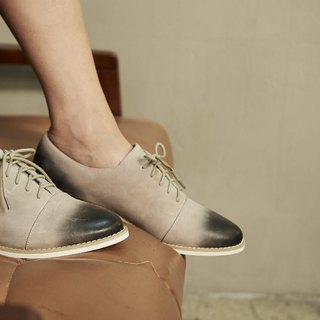 Hand-brushed college straps oxford shoes gray