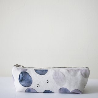 Moshimoshi | triangle pencil case-pond