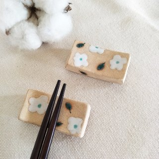 White ceramic chopsticks holder