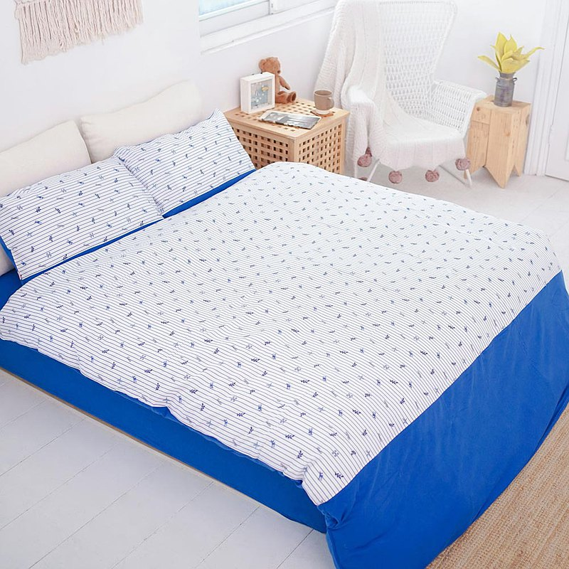 (Double Extra Large) Beauty Collagen Fawn Cut Flower Bedding Set-Striped Blue ∣ Four Pieces Set