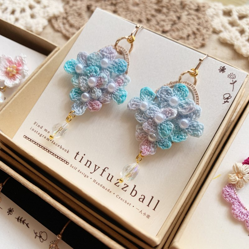 Hydrangea super like real earrings blue