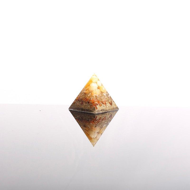 金石為開-奧剛小金字塔Orgonite水晶礦石財富、招財、樂觀、豐盛