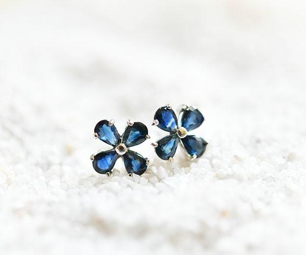 Charisma nature, victory luck, money luck etc. Increase clover blue sapphire stud earrings September birthstone