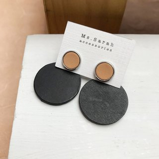 Leather earrings _ ear pin _ round frame 6 works #10_ light brown black
