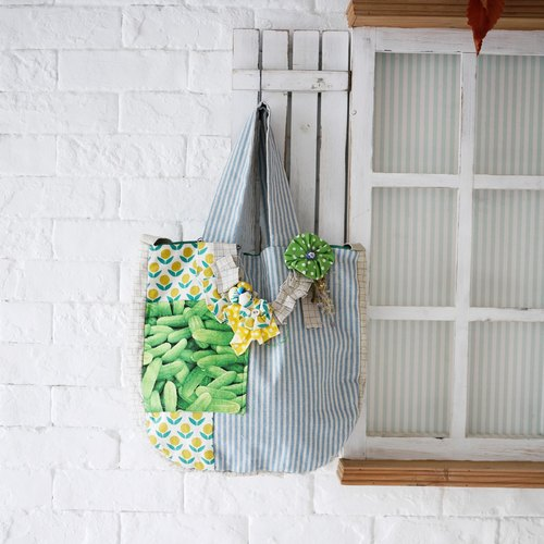 Natural wind even thought decorative lapel Heart Tote Bag