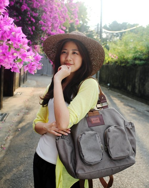 A Yong Bao │ leather canvas big backpack travel / mother bag