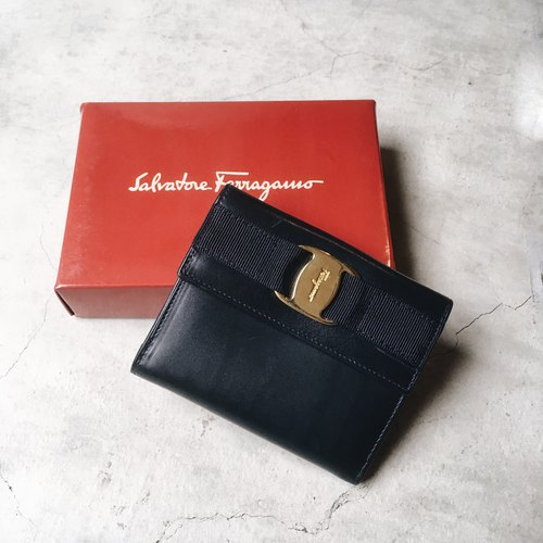 A ROOM MODEL - VINTAGE - Salvatore Ferragamo三折皮夾 / BD-0876