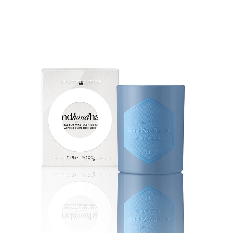 + O 家 窝 X handhandhand scented oil candle 220g (western pear)