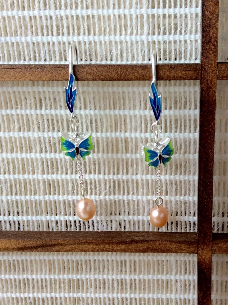 Meow ~ Butterfly Cloisonne hand-made earrings / silver / blue and green