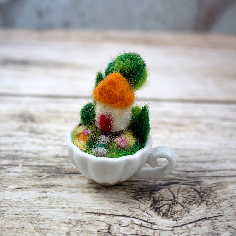 Wool felt landscaping mini coffee cup