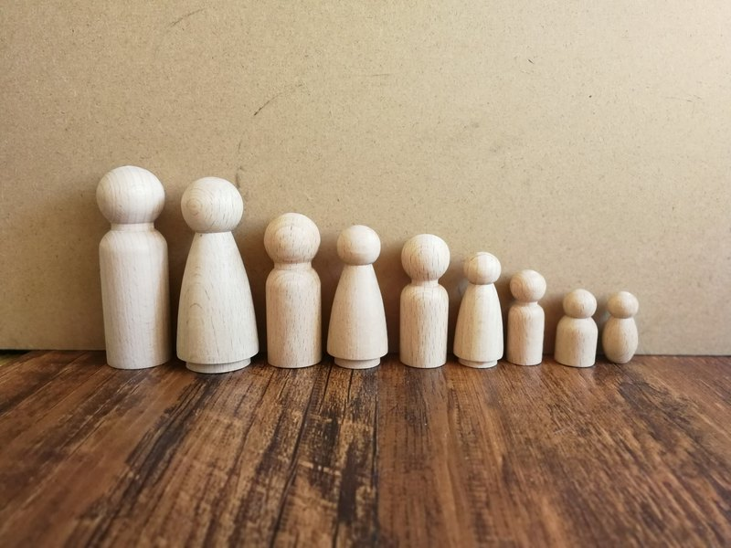 Unfinished Wooden Peg Doll Family Set