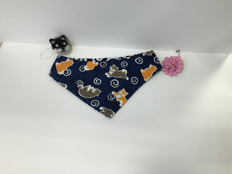 Dog / Shiba Inu pattern reversible bandana (with black bush emblem)