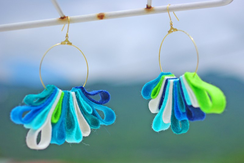 Summer wind - drooping earrings