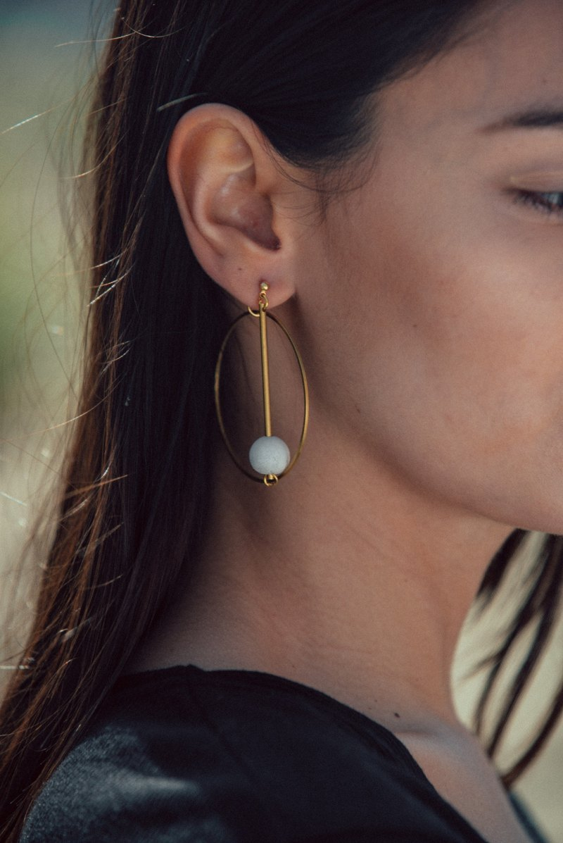 White Marble Pattern Concrete Bubble Drop With Big Circle Brass Earrings