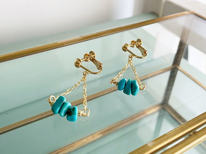 [December birthstone] Triangle turquoise earrings