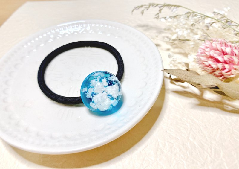 Blue sky, I still want you / resin hair ring